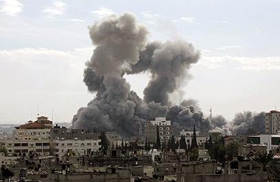 Israeli warplanes hit Hamas targets in Gaza overnight