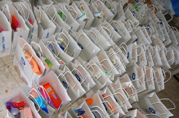 """Bags of blessings"" assembled for distribution in Sderot"