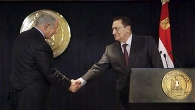 Netanyahu met Mubarak in Sharm el-Sheikh