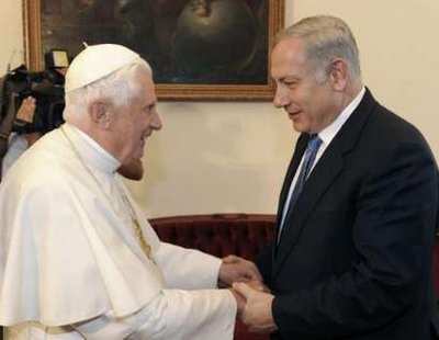 Prime Minister Netanyahu mets with Pope Benedict in Nazareth.