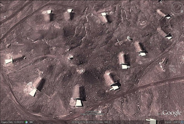 http://flashtrafficblog.files.wordpress.com/2013/03/googleearth12-2012-missiledepots-2.jpg?w=605