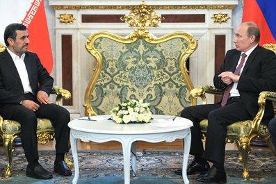 Putin meets Ahmadinejad on July 2, 2013. (photo: Kremlin)