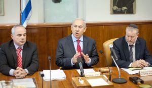 Netanyahu talking at the cabinet meeting Tuesday morning. (Photo by Emil Salman/Haaretz).